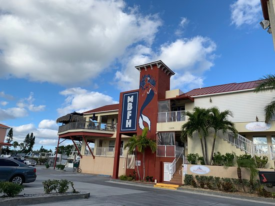Mad beach fish house